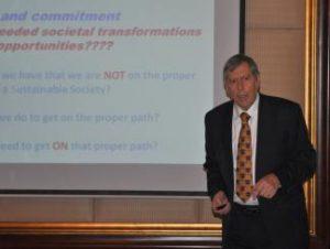 Į KTU atvyksta švaresnės gamybos koncepcijos pradininkas bei darnaus vystymosi puoselėtojas D. Huisinghas